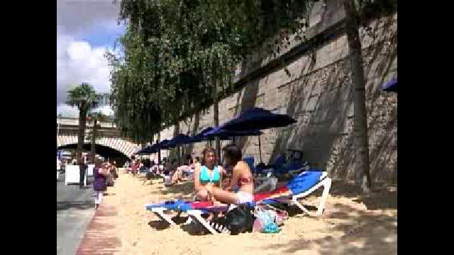 Urban beach unveiled in Paris